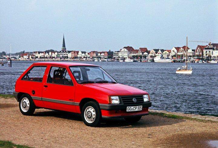 Opel Corsa A, Luxus, 1982-1992