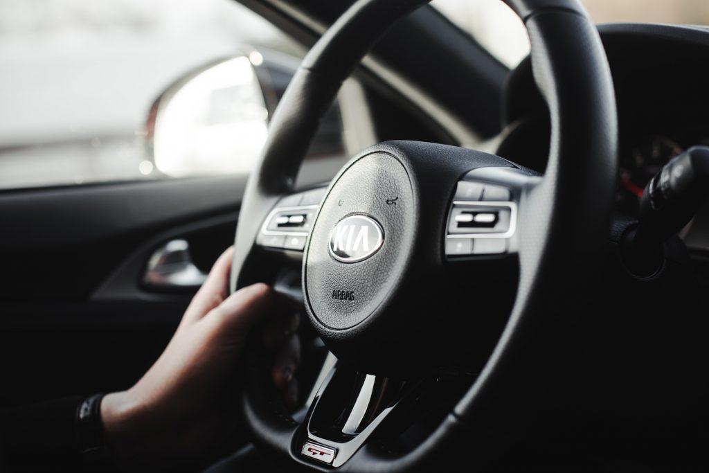 Lenkrad des Display des Kia Stinger GT 3.3 TDI AWD (2019)