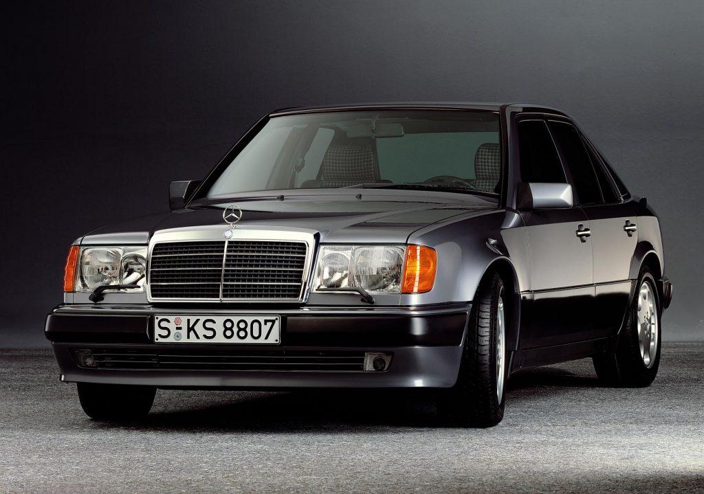 Mercedes-Benz 500 E (W 124). Foto aus dem Jahr 1990.