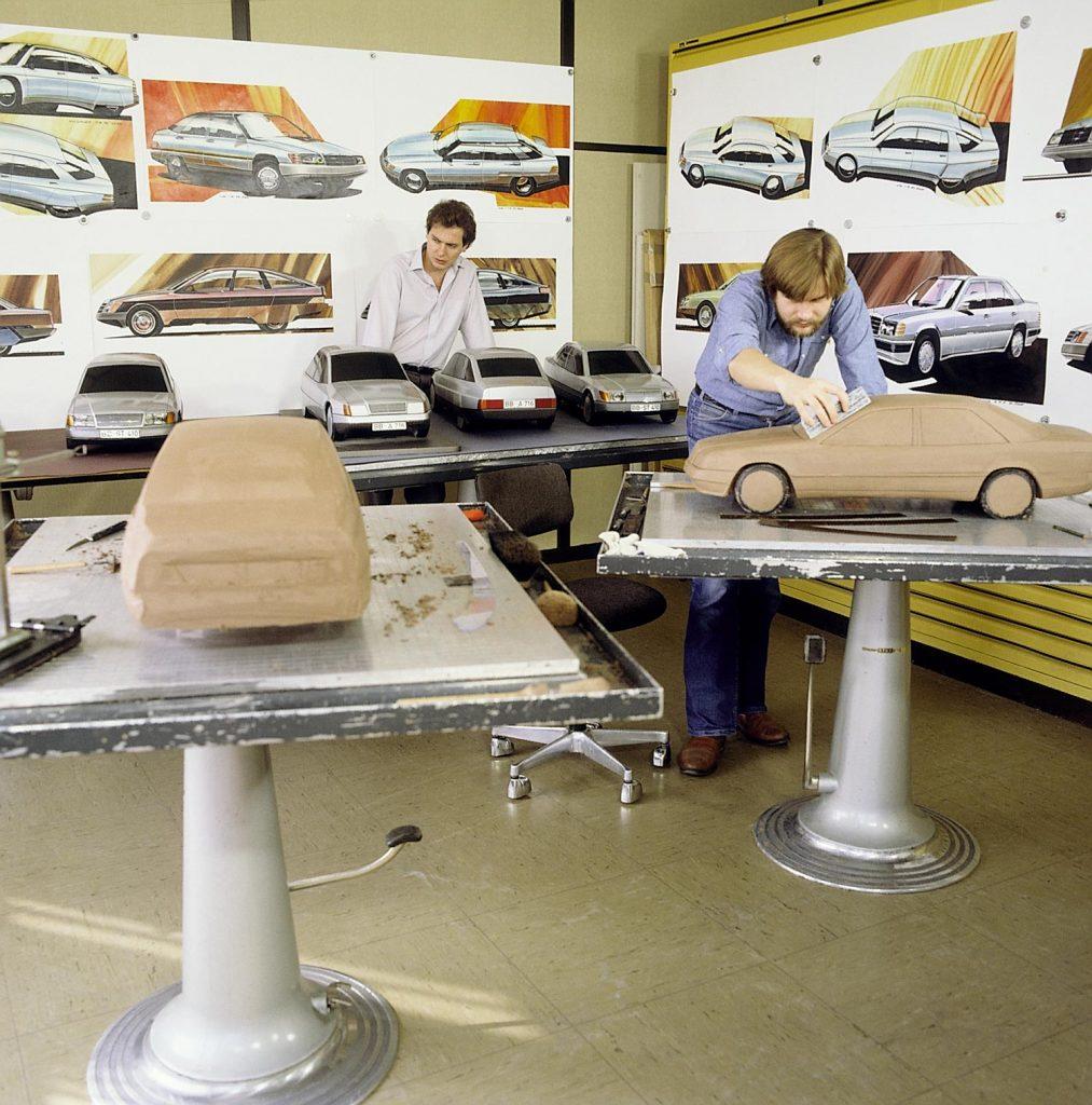 Designentwicklung der Mercedes-Benz Baureihe 124, Arbeit an Modellen im Maßstab 1:5.
