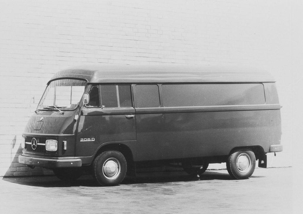 Mercedes-Benz L 206 D