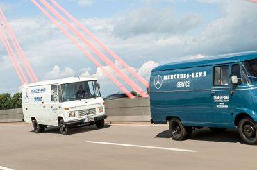 Transporter von Mercedes unterwegs in Düsseldorf
