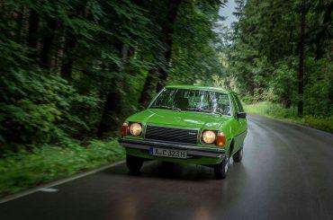 Unterwegs im Mazda 323 von 1979