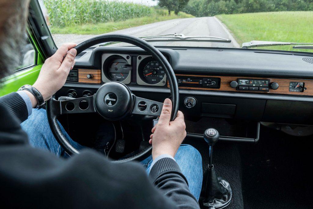Innenraum Mazda 323 von 1979